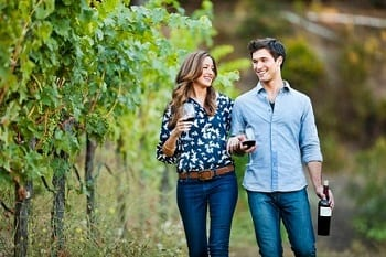 15 Fabulous Fall Date Ideas - Wine Tasting